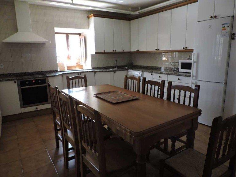 Cocina-comedor de casa rural Loperena, Goldaratz :: Agroturismo en Navarra