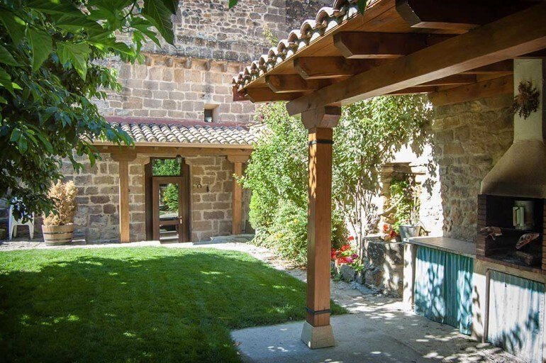 Jardín de casa rural agroturismo La Sacristana, Lácar, Navarra