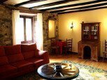 Casa rural Jauregia, Aniz, Valle de Baztán, salón :: Agroturismo en Navarra