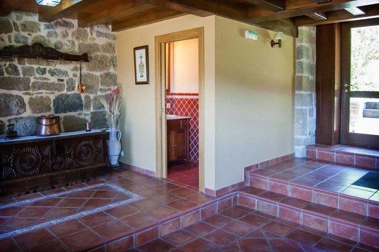 Entrada a casa rural La Sacristana, Lácar, Tierra Estella :: Agroturismo en Navarra