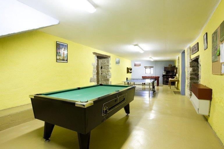 Casa rural Loretxea, Izkue, en las cercanías de Pamplona. Sala de Juegos :: Agroturismo en Navarra