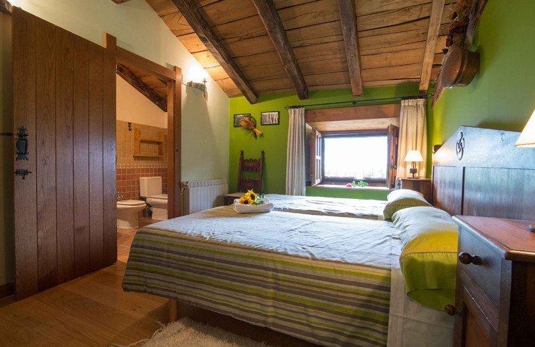 Habitación de casa rural Etxeberria, Oskoz :: Agroturismos en Navarra
