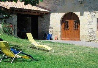 Jardines de casa rural Antxitorena :: Agroturismos en Navarra