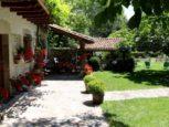 Jardín con barbacoa de Casa Rural Matxiñena :: Abelore, Casas Rurales de Agroturismo en Navarra
