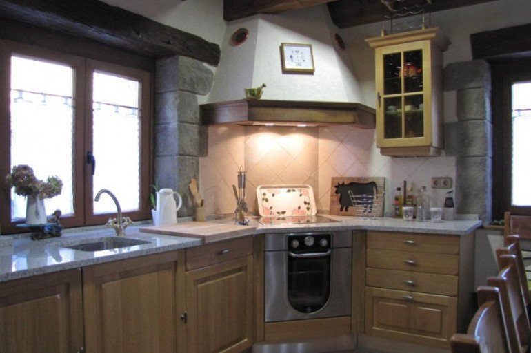 Cocina de casa rural Enarakabi, Urrizelqui :: Agroturismos en Navarra