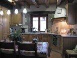 Cocina-comedor en casa rural Enarakabi, Urrizelqui :: Agroturismos en Navarra