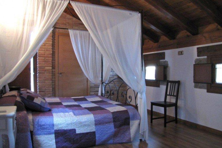 Dormitorio de casa rural Enarakabi, Urrizelqui :: Agroturismos en Navarra