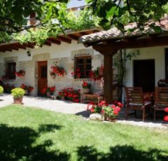 Jardines de Casa Rural Matxiñena :: Abelore, Casas Rurales de Agroturismo en Navarra