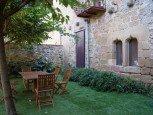 Jardín de casa rural La Sacristana, Lácar, Tierra Estella :: Agroturismo en Navarra