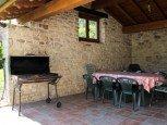 Porche con barbacoa en casa rural Antxitorena :: Agroturismos en Navarra