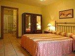 Dormitorio de casa rural Antxitorena :: Agroturismos en Navarra