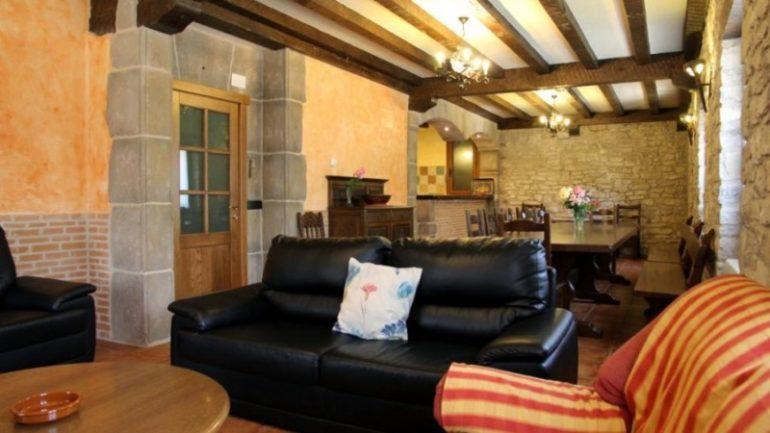 Salón en Casa Rural Matxiñena :: Abelore, Casas Rurales de Agroturismo en Navarra